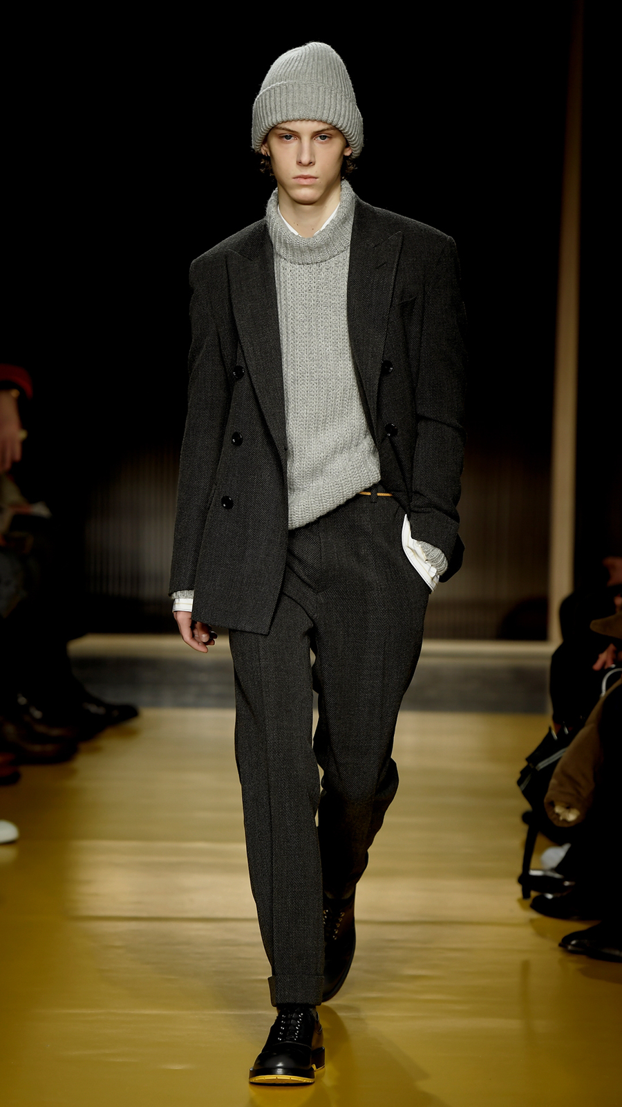 BOSS Menswear Fall Winter 2018 Fashion Show Sports Tailoring. First slide  image. Second slide image 80a8391284