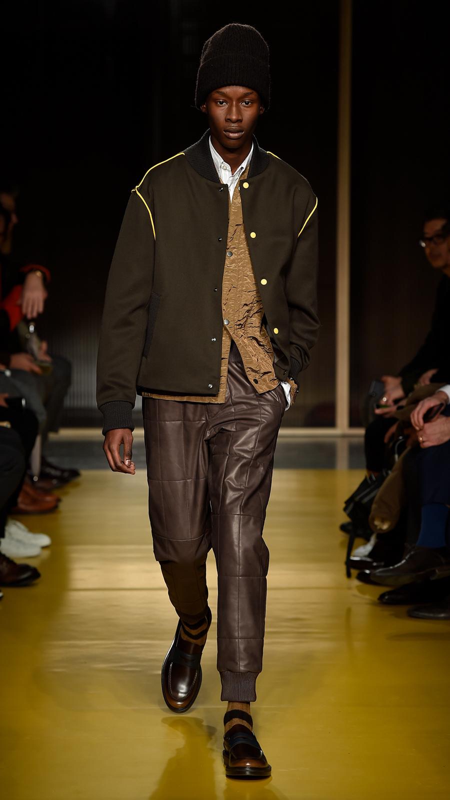 BOSS Menswear Fall Winter 2018 Fashion Show fcb31ee606